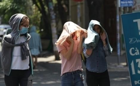 Đã có 2 ca tử vong do nắng nóng, bác sĩ hướng dẫn cách cứu người sốc nhiệt