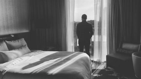 Rối loạn cương vì sợ hãi vợ