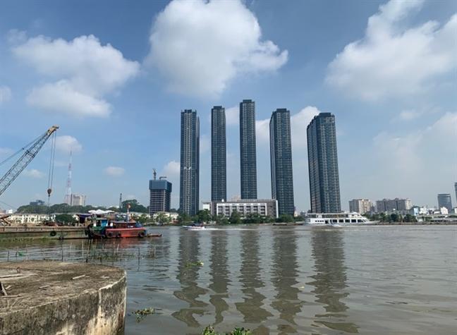 Cầu tàu Ba Son đã đổ sập xuống sông Sài Giòn