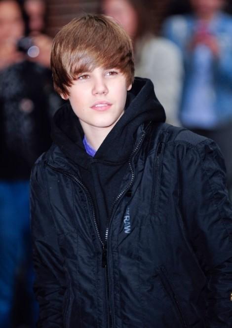 Justin Bieber và sự tụt dốc phong độ trong 10 năm