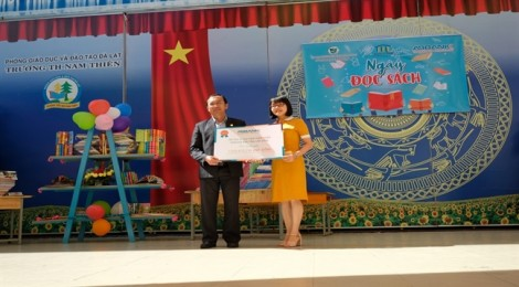 ABBANK dành tặng 51.000 cuốn sách cho 10.000 học sinh tiểu học tại 14 trường công lập tại Lâm Đồng
