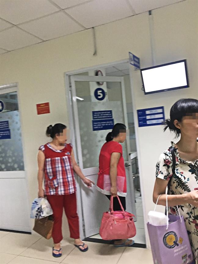 Bac si Benh vien Tu Du khong kham thai nhung van ra ket qua: Loi phan mem, loi chuan quoc gia hay cau tha?