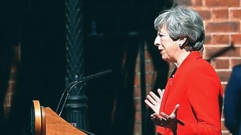 Thủ tướng Anh từ chức, ai sẽ lên thay?