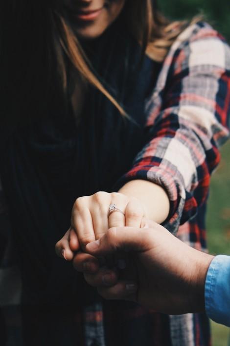 Hạnh phúc này công chồng hay công vợ?