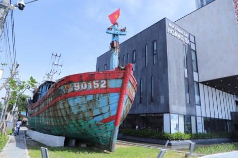 Đưa tàu cá Đà Nẵng bị tàu Trung Quốc đâm chìm vào nhà trưng bày Hoàng Sa
