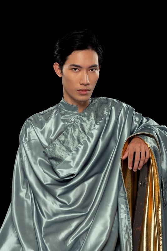 'Choang' voi e-kip sang tao toan ten tuoi 'khung' cua Vu hoi Anh Duong