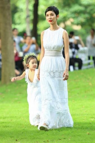 Những cặp mẹ con sao Việt sở hữu gu thời trang sành điệu
