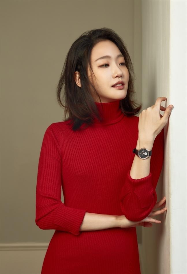 Can canh nhan sac co nang mot mi se sanh doi cung 'hoang tu quoc dan' Lee Min Ho
