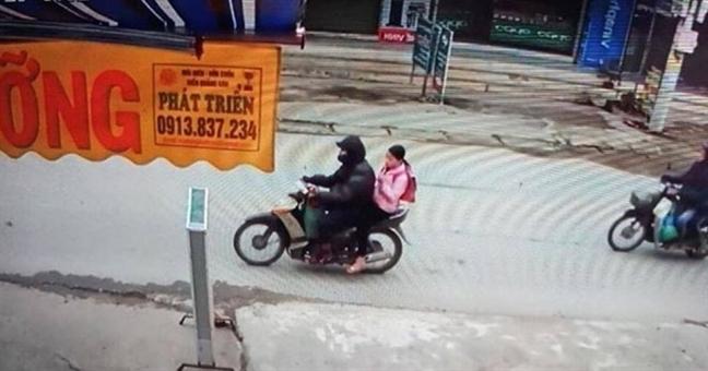 Vu chau be 9 tuoi bi xam hai trong vuon chuoi: Ky luat Pho Vien truong Vien Kiem sat nhan dan huyen Chuong My