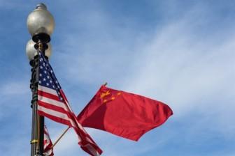 Trung Quốc chính thức cảnh báo sinh viên muốn đi Mỹ du học