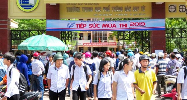 Trung de thi van vao lop 10 o Quang Binh: Su 'luoi bieng' trong tu duy ra de?