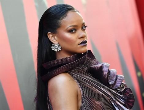 Rihanna vươn lên vị trí nữ ca sĩ giàu nhất thế giới