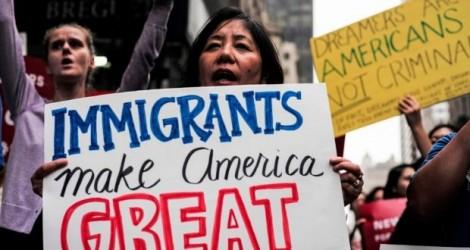 Hạ viện Mỹ thông qua dự luật bảo vệ 700.000 người nhập cư