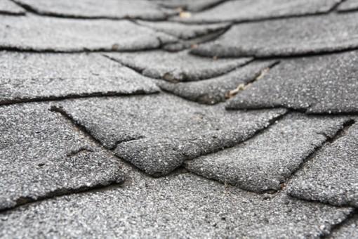 Những dấu hiệu cho thấy bạn cần thay lại mái nhà
