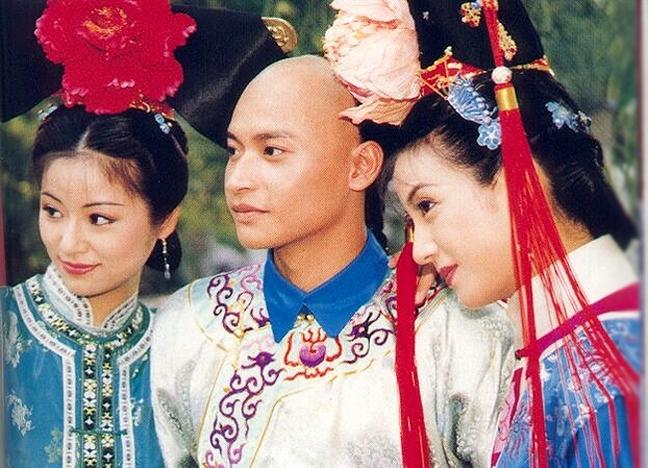 Mac lo lang, 'Nhi thai' Tran Chi Bang kiem gan 700 trieu dong trong nua tieng bieu dien