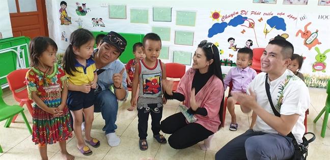 'Chuyen tinh Khau Vai': Phep thu cho san dien cai luong thoi 4.0