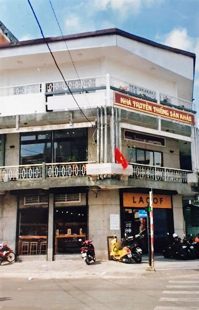 Thac mac ve thu-chi o Hoi san khau: Chuyen binh thuong, ung xu khac thuong