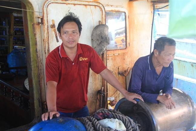 Ngu dan Quang Nam to bi tau treo co Trung Quoc cuop 2 tan muc kho