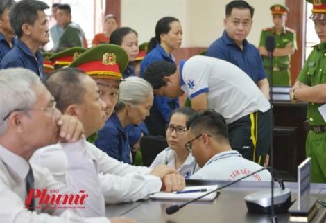 Buổi tuyên án phúc thẩm Vũ 'nhôm' bị gián đoạn để chăm sóc y tế cho bị cáo