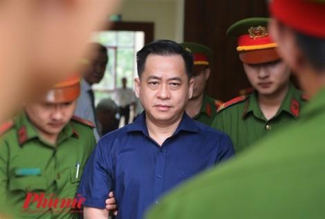 Vũ nhôm bình thản khi nghe tuyên y án 25 năm tù giam
