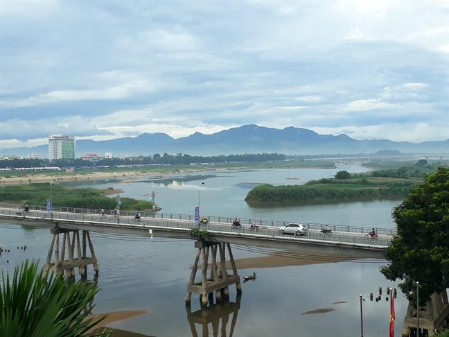 Hoi Nghe ca tinh Quang Ngai len tieng ve du an dap chan song Tra Khuc