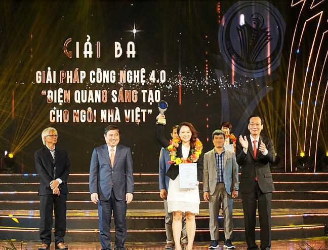 Dien Quang duọc trao Giai thuong Sang tao TP.HCM 2019