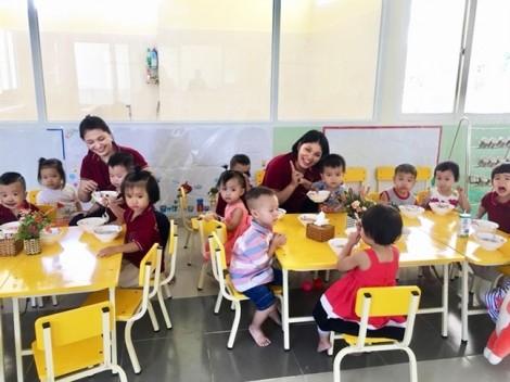 Hơn 84% phụ huynh mầm non ở Sài Gòn đồng ý cho con uống sữa học đường