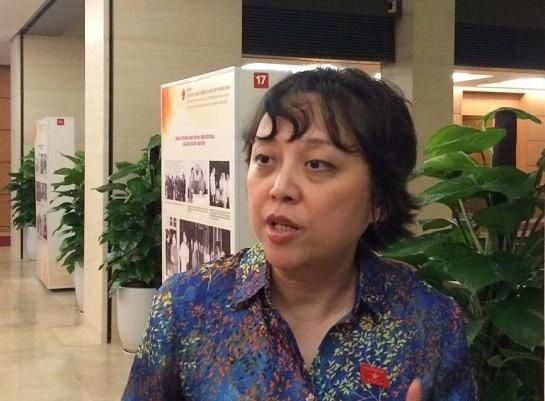 Bac si Luong phai 'buong vu khi' vi cang dau tranh… cang chet