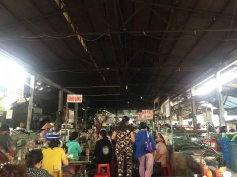 Chợ chiều Nguyễn Văn Trỗi, ăn vặt thả ga không lo về giá
