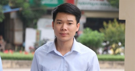 Bác sĩ Lương phải 'buông vũ khí' vì càng đấu tranh… càng chết