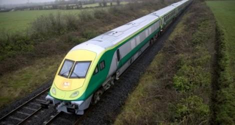 Đứa trẻ sinh trên tàu hỏa Ireland được đi tàu miễn phí 25 năm