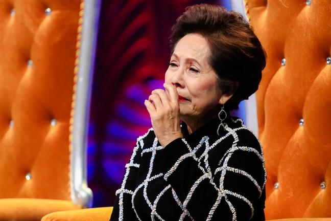 Danh ca Phuong Dung nhieu lan roi nuoc mat khi nhac ve co nhac si 'Noi buon gac tro'