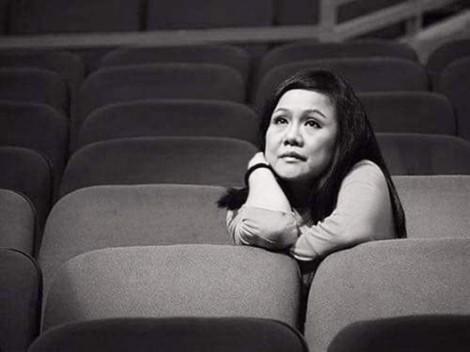 'Bà bầu' sân khấu và những giọt nước mắt  sau cánh gà