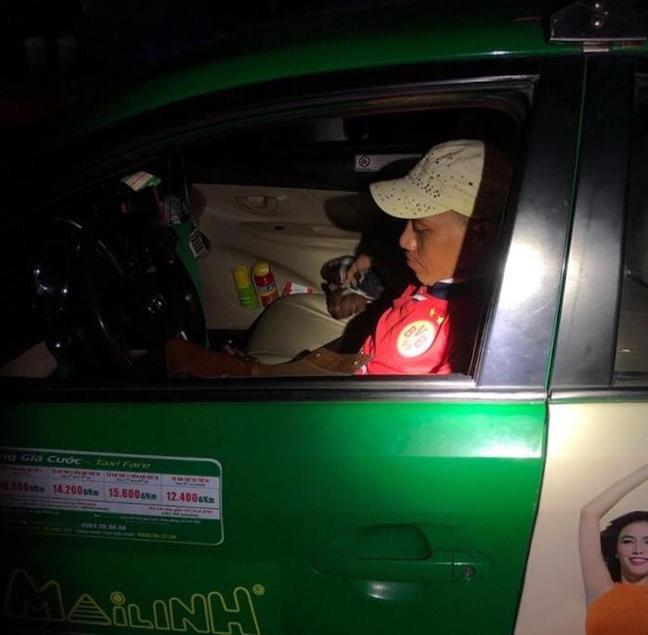 Thue taxi tu TP.HCM den Binh Duong cuop giat de co tien mua ma tuy