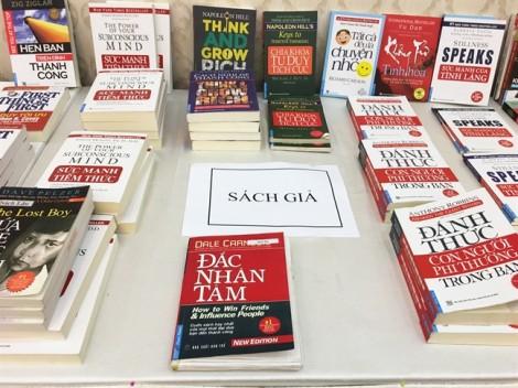 Vì sao nạn sách lậu không lên bàn Quốc hội?