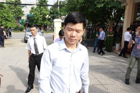 Bác sĩ Hoàng Công Lương nhận mức án 30 tháng tù giam về tội vô ý làm chết người