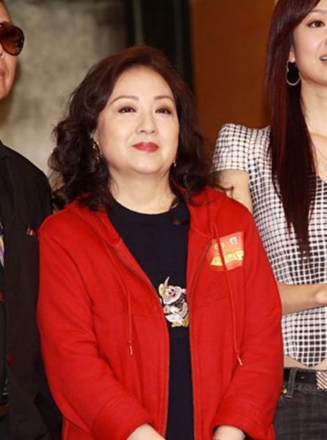 Diễn viên kỳ cựu của TVB xin xác lập kỷ lục có nhiều con trai nhất
