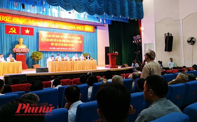 Bi thu Thanh uy khang dinh ong Doan Ngoc Hai co sai pham trong quan ly do thi o Q.1