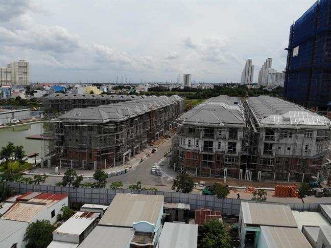 UBND TP.HCM: Cong ty Hung Loc Phat vi pham it nhat ba bo luat trong vu xay 110 can biet thu