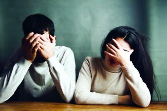 Khi ba chồng vỡ nợ, má chồng ghen tuông, chồng thất nghiệp