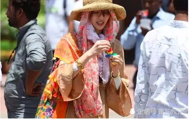 Muon kieu tron nang 'khong do noi' cua sao nu Hoa ngu