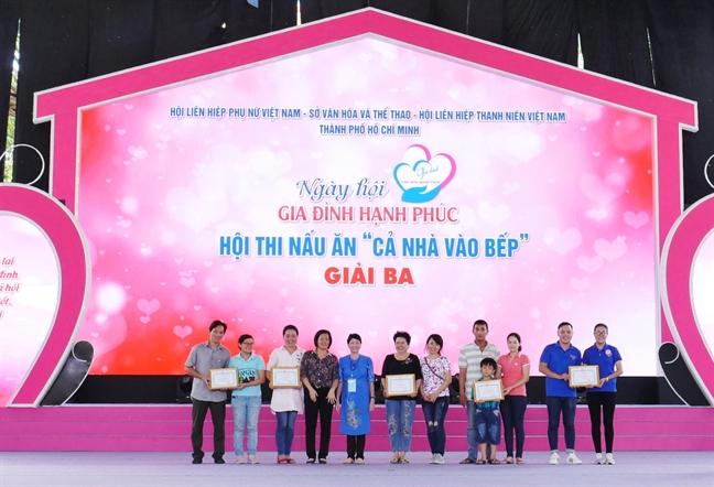 """97 gian bep do lua tai """"Ngay hoi gia dinh hanh phuc"""" 2019"""