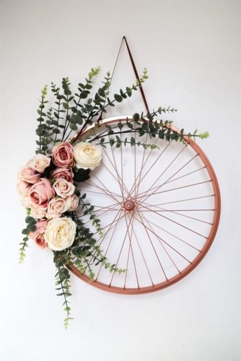 Bánh xe đạp cũ - vật dụng trang trí nội thất không chê vào đâu được