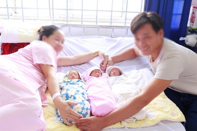 Nguoi me o Vinh Long sinh cung luc 3 be trong lan dau mang thai