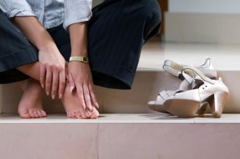 Còn ông chồng nào biết mua giày cho vợ?