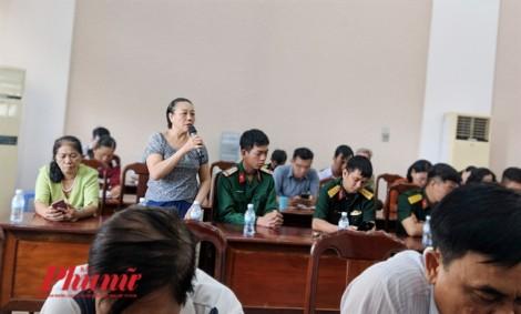 Ông Lê Trương Hải Hiếu vắng mặt, dân truy vấn nguyên chủ tịch quận 12 - Nguyễn Toàn Thắng