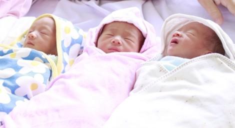 Người mẹ ở Vĩnh Long sinh cùng lúc 3 bé trong lần đầu mang thai