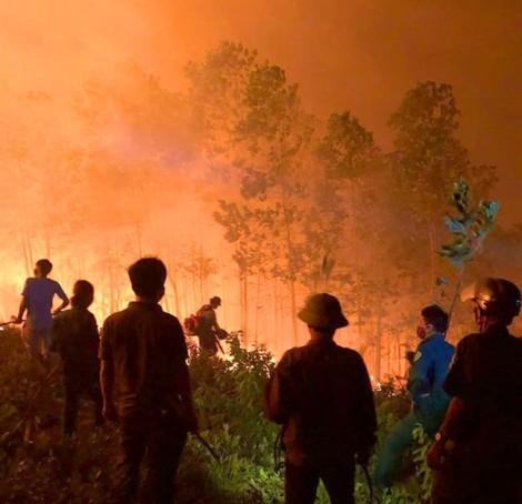 Dân đốt rác khiến rừng cháy liên tục 3 ngày chưa tắt