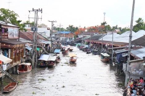 Ăn gì ở chợ nổi Amphawa, Thái Lan?