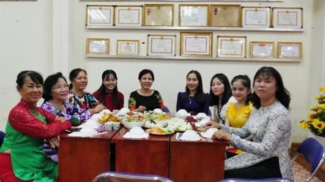 Chuyện những gia đình Việt và sinh viên Lào